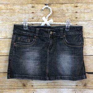 American Eagle Dark Wash Mini Skirt Size 6